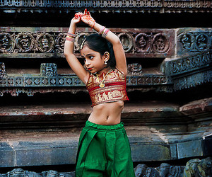 india and dance image
