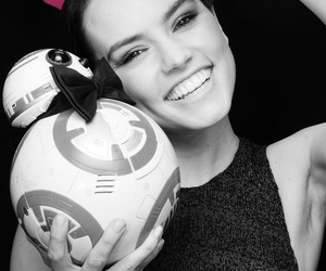 bb-8, star wars, and daisy ridley image