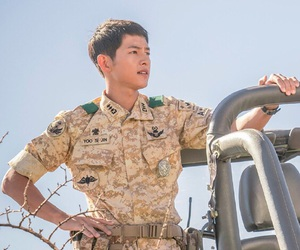 song joong ki, song hye kyo, and descendants of the sun image