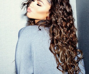 zendaya, hair, and beauty image