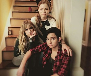 scream, carlson young, and audrey jensen image