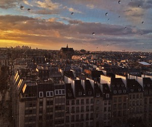 paris and place image