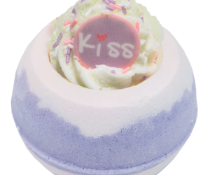cream, glitter, and kiss image