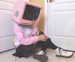 pink, grunge, and tv image