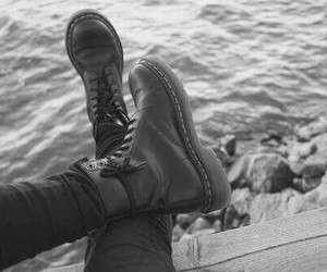 black and white, grunge, and indie image
