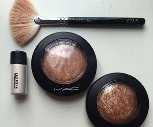 beauty, glow, and highlighter image