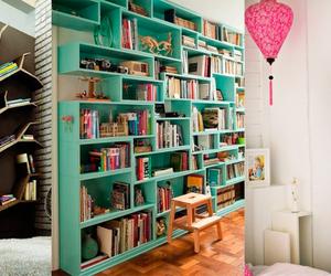 livros and estantes image