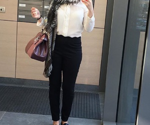 black and white, casual, and chic image