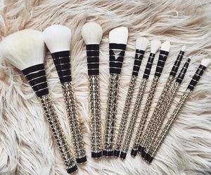 makeup, fashion, and Brushes image