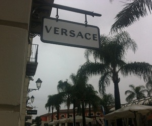theme and Versace image