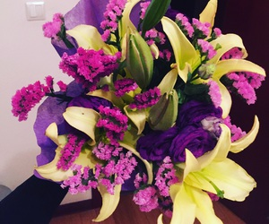 beautiful, bouquet, and mommy image
