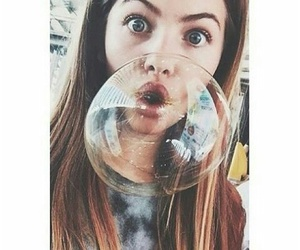 girl, bubbles, and eyes image
