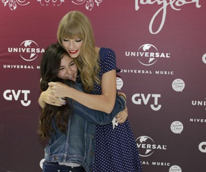fans, Taylor Swift, and m&g image