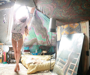 girl, room, and hippie image
