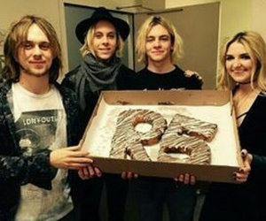 r5, ross lynch, and ross image