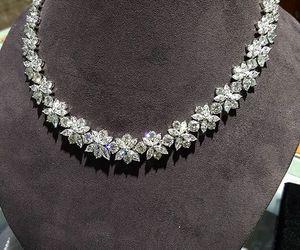 diamonds, harry winston, and jellwery image