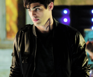 tumblr, shadowhunters, and alec lightwood image