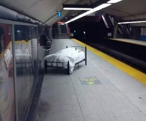 bed and subway image