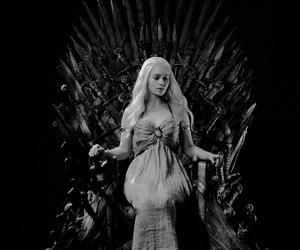 game of thrones and emilia clarke image