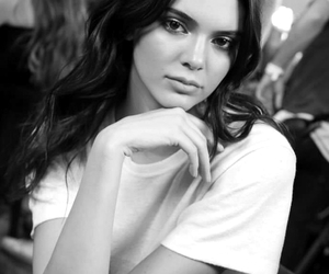 famous, model, and kendall jenner image