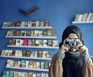 camera, hijab, and muslim image