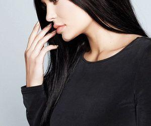 kylie jenner, kardashian, and jenner image