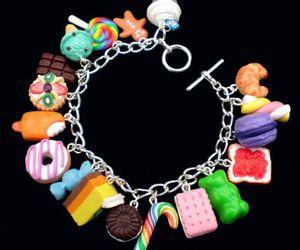 bonbon and bracelet image