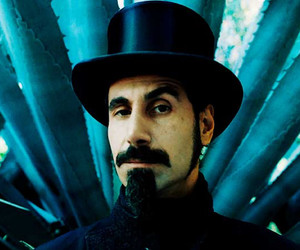 serj tankian and soad image