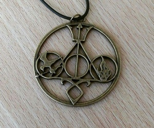 collar, harry potter, and divergente image