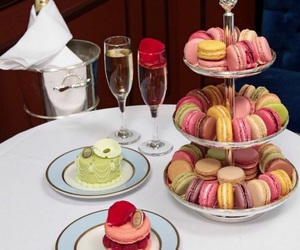 cake, luxury, and macaroons image