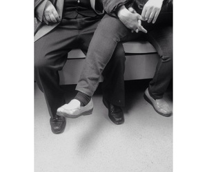 amor, metro, and shoes image