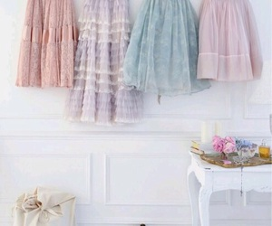 pastels, shabby chic, and romantic image