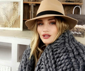 fashion, rosie, and makeup image