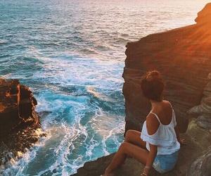 bun, holiday, and sea image