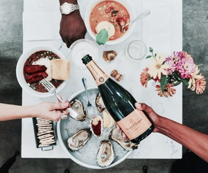 champagne and food image