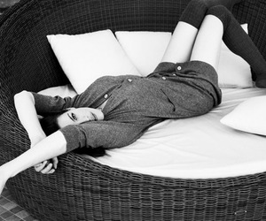 liv tyler, sexy, and bed image