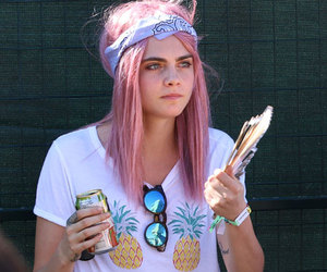 model, pink hair, and cara delevingne image