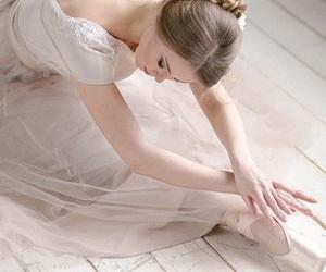 ballet, dance, and feminine image
