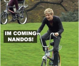 niall horan, one direction, and nandos image