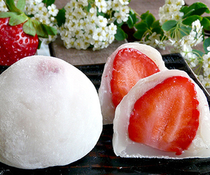 strawberry, japan, and japanese food image