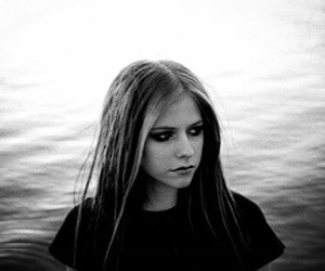 Avril Lavigne, Avril, and black and white image