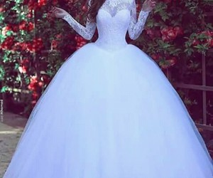 breathtaking, bride, and dress image