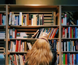 blond, books, and grunge image