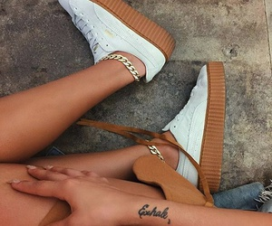 clothes, hipster, and zapatos image