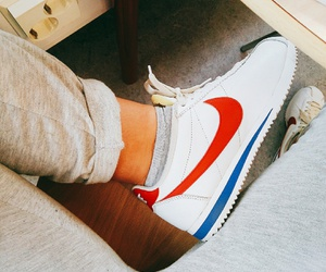 classic, cortez, and nike image