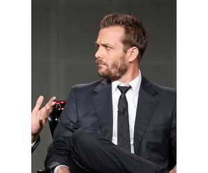 gabriel macht, harvey specter, and suits usa image