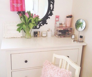 room, style, and mirror image