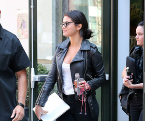 outfit, selena gomez, and black image