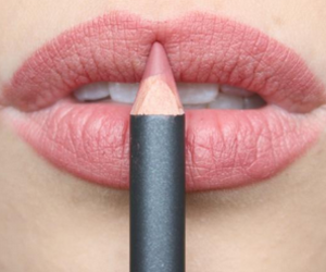 girl, girly, and lipstick image