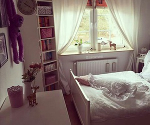 cortina, cama, and decoração image